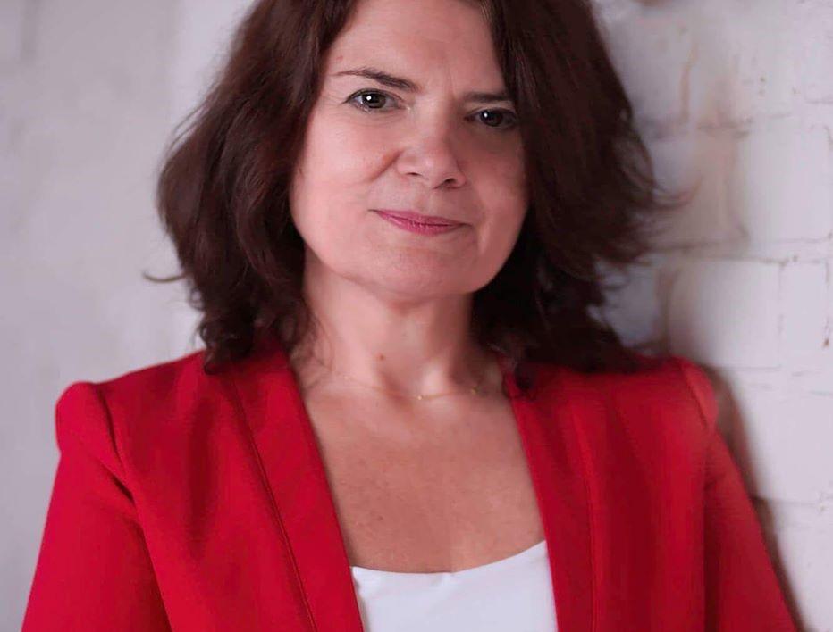 Ewa Weber została trzecim zastępcą prezydenta Gliwic. To efekt przedterminowych wyborów, które na początku roku wygrał w Gliwicach Adam Neumann. Nowa wiceprezydent będzie odpowiadać za edukację, kulturę, zdrowie oraz promocję miasta. Wcześniej związana była z Urzędem Miejskim w Zabrzu.