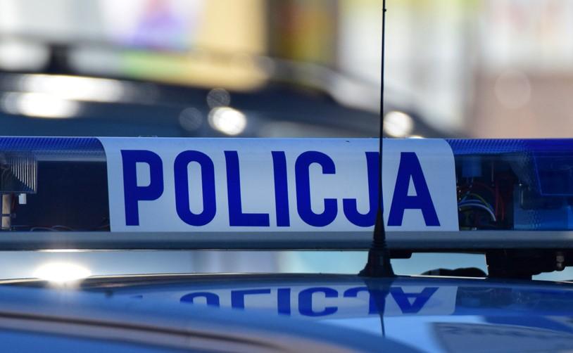 W minioną sobotę kierowca forda, który miał w organizmie 3 promile alkoholu, spowodował kolizję z fiatem. Uciekał z miejsca zdarzenia. Udało się go zatrzymać dzięki jednemu ze świadków, który zatrzymał 28 latka kierującego fordem.
