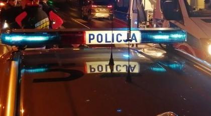 Do tragicznego wypadku doszło dziś ok. godz. 18.00 na ul. ul. Sienkiewicza w Zabrzu. Mężczyzna wypadł z okna. Zmarł na miejscu. Jak wynika ze wstępnych ustaleń policjantów mężczyzna próbował naprawiać antenę satelitarną.